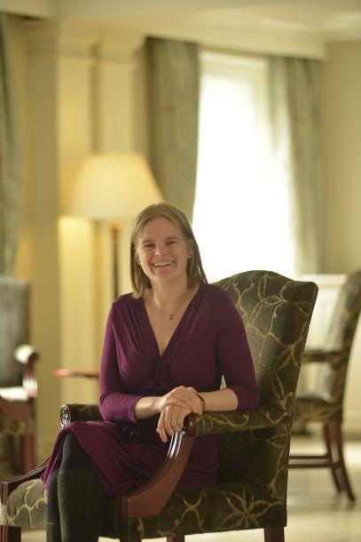 Dr Ellen Nisbet