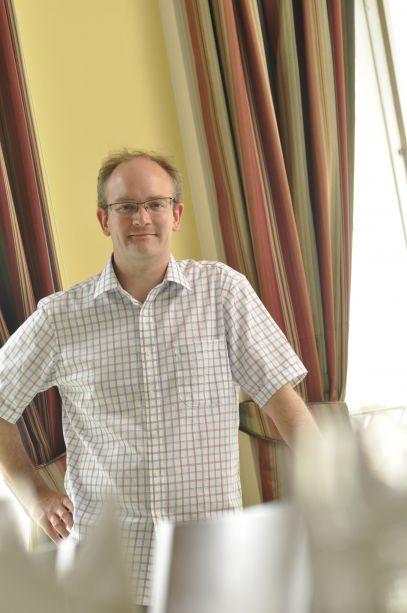 Dr Guy Williams