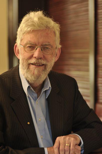 Dr Ken McNamara