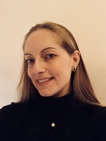 Dr Paula Heister