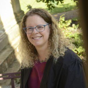 Dr Dee Scadden