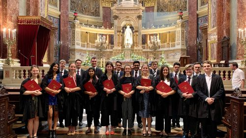 Chapel Choir tours Hungary