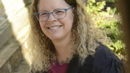 Dr Dee Scadden wins a 2021 Pilkington Prize