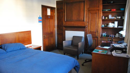 N Staircase Room 16
