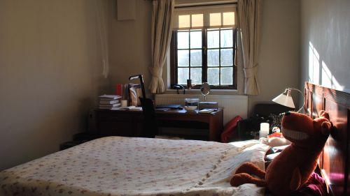 N Staircase Room 17