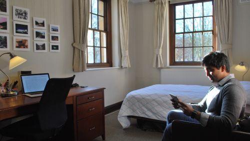N Staircase Room 5