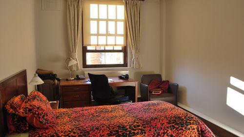 N Staircase Room 8